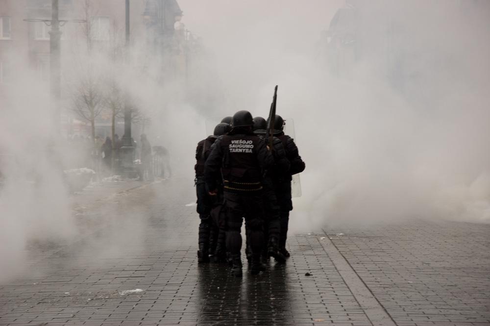 riaušės! ir protestas prie Seimo