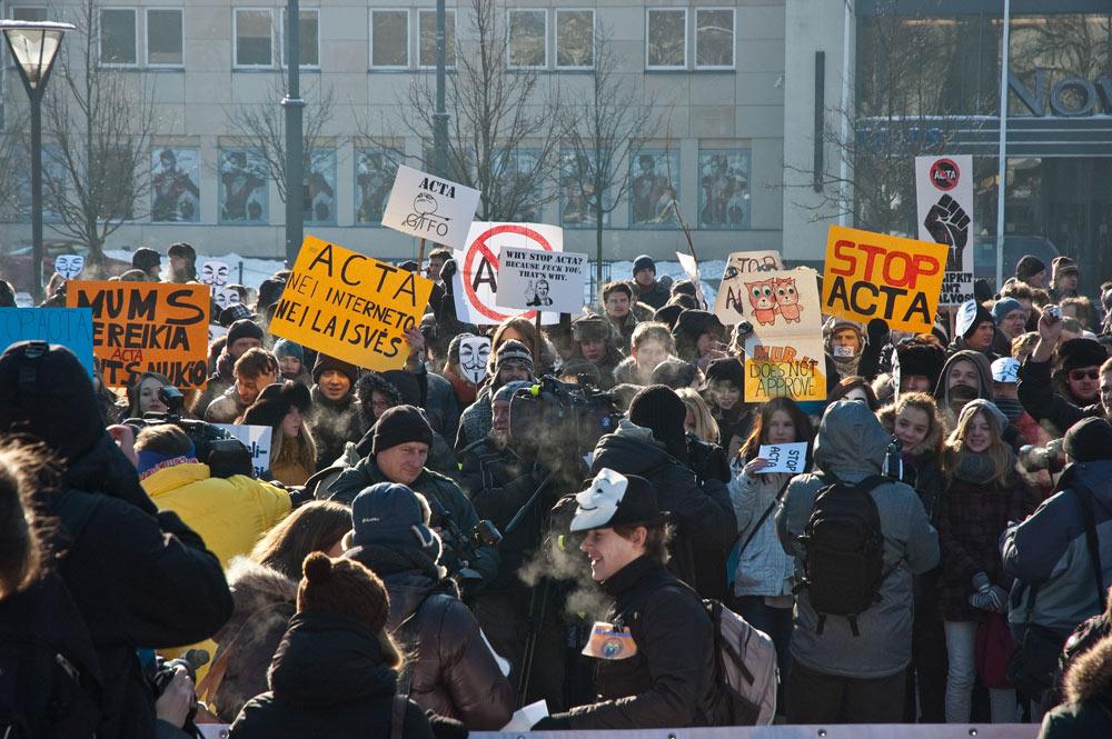 marinuotas protestas prieš ACTA