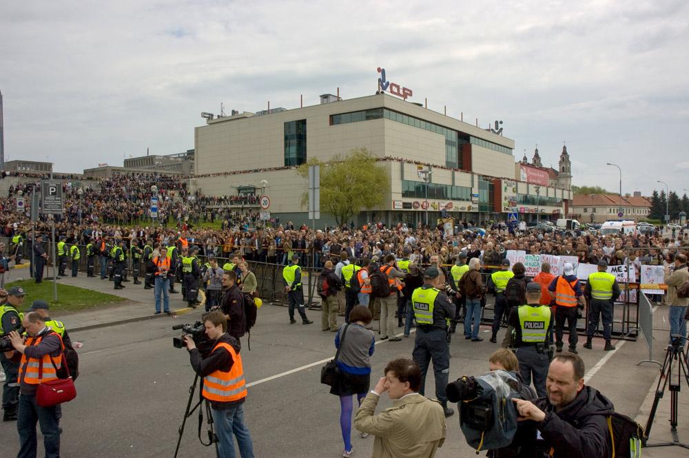 homoseksualų eitynės, policija ir mini-riaušės